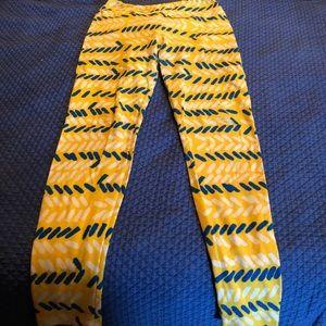 OS LULAROE leggings, gently used